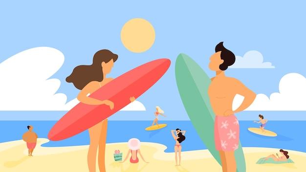 Jong surferpaar dat zich met raad op het de zomerstrand bevindt