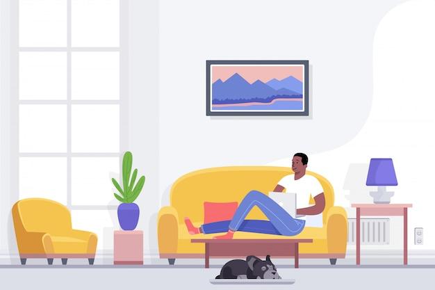 Jonge afrikaanse amerikaanse mens die en in huis rusten ontspannen die op comfortabele laag in woonkamer liggen die laptop met behulp van, die alleen van vrije tijd genieten, uitstel vlakke illustratie.