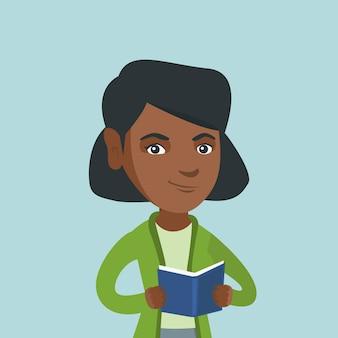 Jonge afro-amerikaanse student die een boek leest.