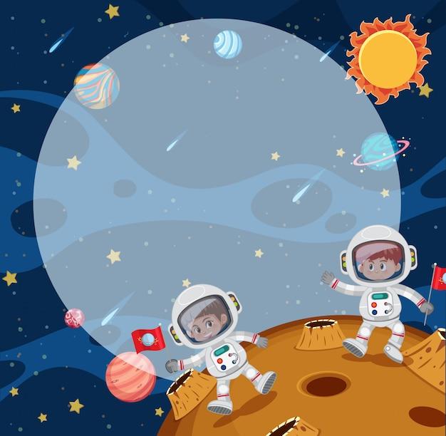 Jonge astronuã¯eten op de maan