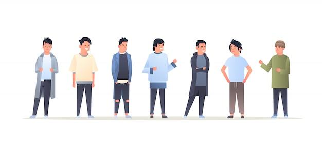 Jonge aziatische mannen groep dragen casual kleding gelukkig aantrekkelijke jongens staan samen chinese of japanse mannelijke stripfiguren