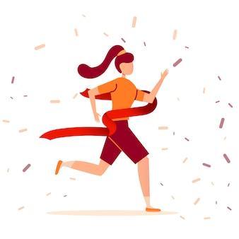 Jonge brunette atleet meisje loopt een marathon en eindigt eerst de finish. overwinning in een sport lopende race.