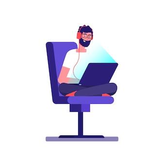 Jonge freelancer programmeur codering met laptop. vector geek karakter geïsoleerd op een witte achtergrond