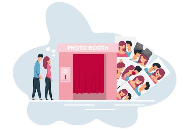 Jonge gezinsleden wachten ga naar photo booth