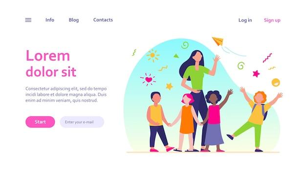 Jonge leraar met blije kinderen geïsoleerd. cartoon gelukkige kinderen in de kleuterschool of op school. pedagogiek en onderwijsconcept