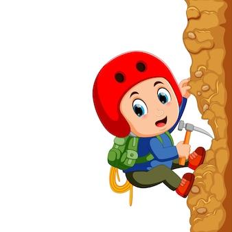 Jonge man bergbeklimmer