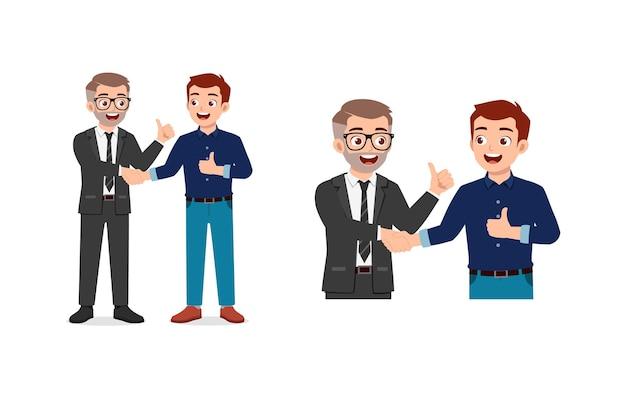 Jonge man en baas hebben deal en schudden elkaar de hand
