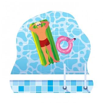 Jonge man met zwembroek en zweven matras in water