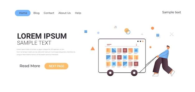 Jonge man trekken web browservenster met computer applicaties software ontwikkelingsconcept