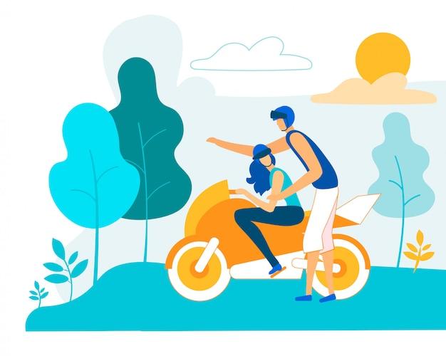 Jonge man vrouw onderwijzen aan het besturen van motorfiets
