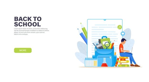 Jonge man zit met laptop op een stapel boeken en op afstand studeren online cursus