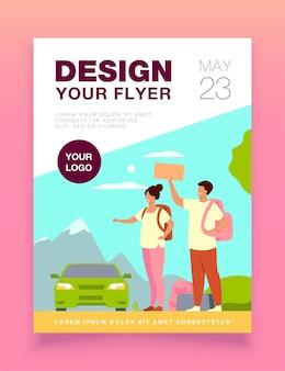 Jonge toeristen met rugzakken staan ?? in de buurt van de weg en liften flyer-sjabloon