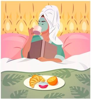 Jonge vrouw die een ontbijt in bed met een boek heeft, een handdoek op hoofd draagt en gezichtsprocedures heeft. quarantaine-activiteiten. thuis blijven. mode trendy illustratie.