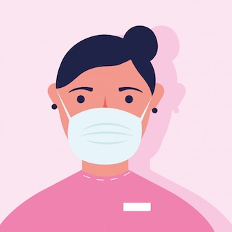 Jonge vrouw die medisch maskerkarakter draagt