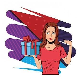Jonge vrouw met een pop-art geschenkdoos