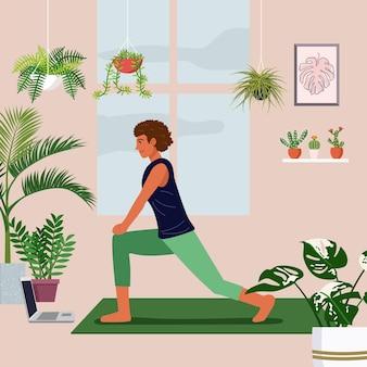 Jonge vrouw oefent tijdens een videogesprek in een met kamerplanten versierde woonkamer