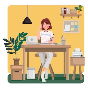 Jonge vrouw telefoontje met haar teamgenoot of collega's praten en bespreken over zaken werken vanuit huis tijdens virusepidemie