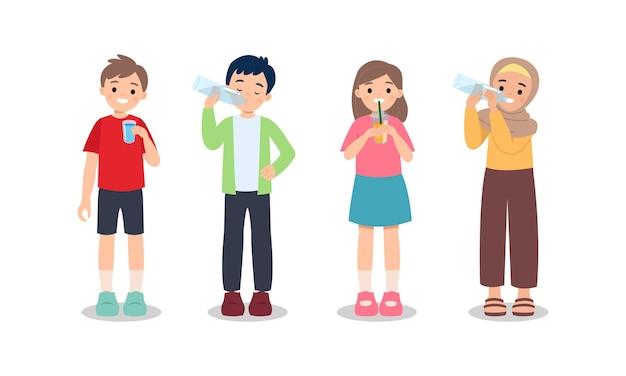 Jongen en meisje drinkwater uit glas en plastic fles. gezond levensstijlconcept. blijf hydrateren. platte illustraties geïsoleerd op wit.