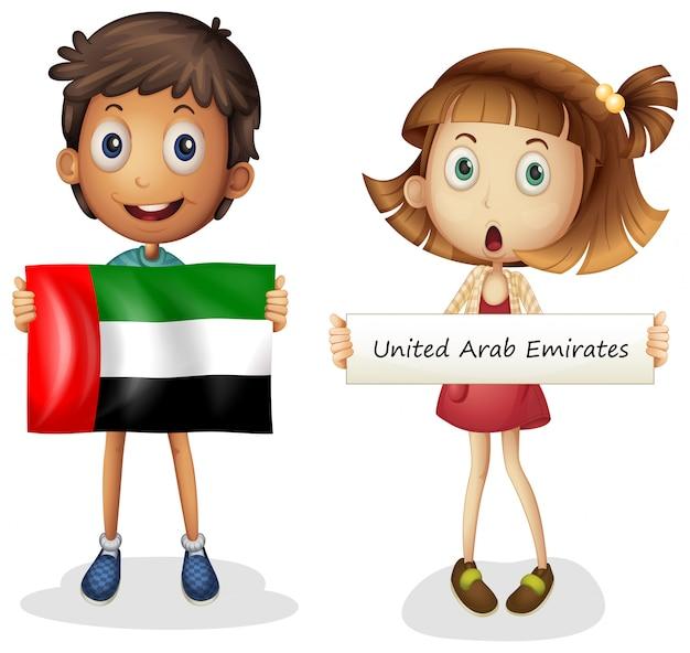 Jongen en meisje met vlag van verenigde arabische emiraten