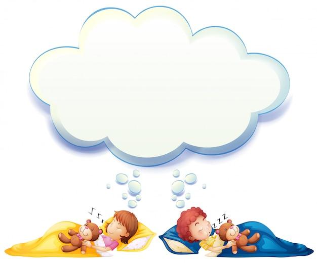 Jongen en meisje slapen in bed