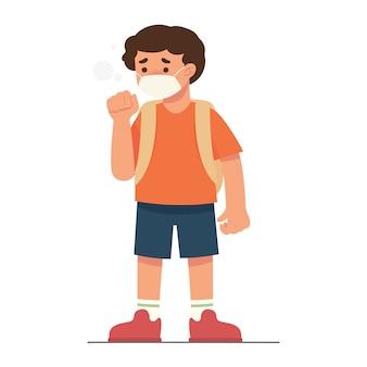 Jongen is ziek met een verkoudheid die een masker draagt