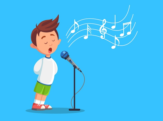 Jongenskind zingen met microfoon. karaoke-nummer