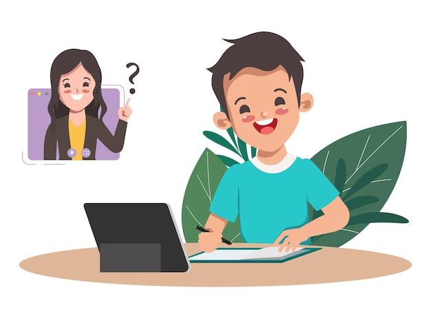 Jongensstudent die online schoolonderwijs met laptop leert