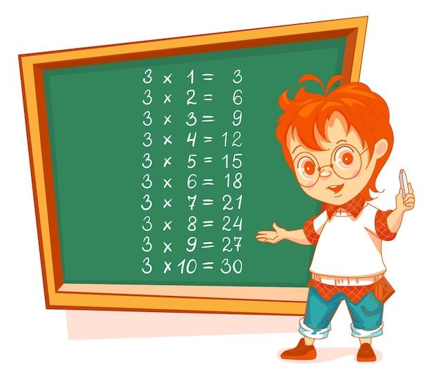 Jongensstudent schrijft tafel van vermenigvuldiging 3 op bord. wiskunde les onderwijs