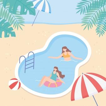 Jongeren op vakantie in het zwembad spelen en zwemmen