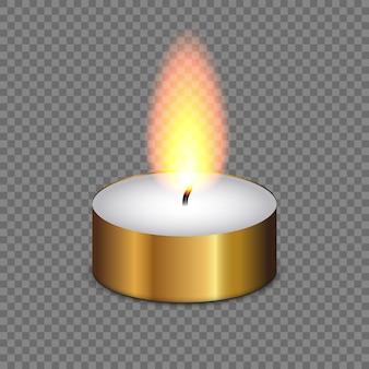 Kaars lichte die vlam op transparante achtergrond wordt geïsoleerd