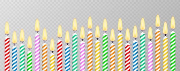 Kaarsen met brandende vlammen van paraffine. verjaardagstaart kaarsen.