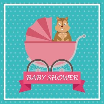 Kaart van de baby douche met schattige aardeekhoorn in de winkelwagen