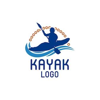 Kajakboot peddel pedaal silhouet van rivierstroom kayaker logo ontwerp