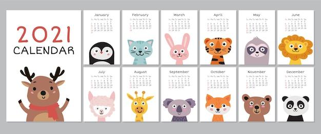 Kalender 2021 met schattige dieren. jaarlijkse planner kalender met alle maanden.