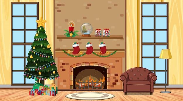 Kamer met kerstboom en een bank bij de open haard