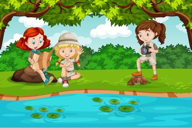 Kamperen kinderen in de natuur
