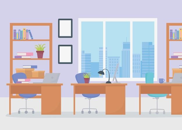 Kantoor werkplek coworking bureaus stoel lamp computer boekenkasten en raam.