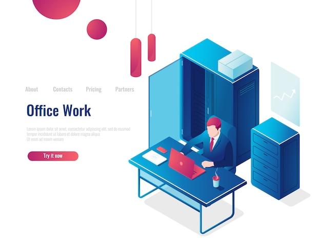Kantoorwerk, een man werkt op een computer, interieur, bedrijfsanalyses en statistieken