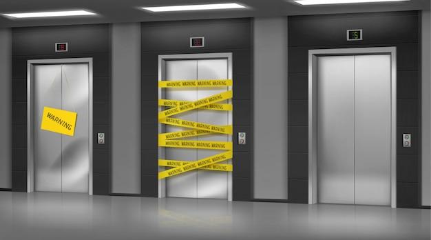 Kapotte liften gesloten voor reparatie of onderhoud