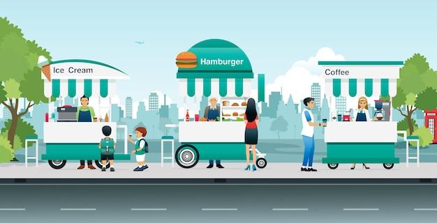 Karrenijs en hamburgers verkocht langs de weg in de stad