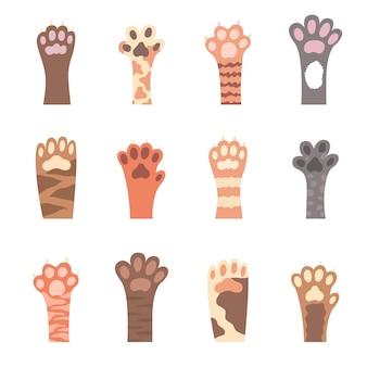 Kat voet. handgetekende poten. set van verschillende gekleurde pootafdrukken. vector illustratie.