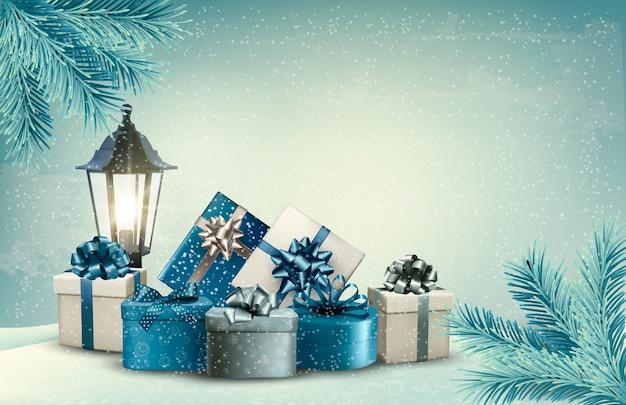 Kerst achtergrond met een lantaarn en cadeautjes.