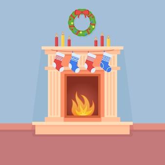 Kerst open haard met sokken, kaarsen en krans in vlakke stijl