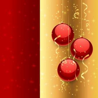 Kerstballen in gouden en rode achtergrond