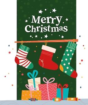 Kerstbanner met stapel geschenkdozen, snoep, kerstsokken en tekst merry christmas-groet op groene achtergrond. platte vectorillustratie. voor kaarten, verpakking, web, uitnodiging.
