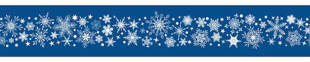 Kerstbanner van verschillende complexe grote en kleine sneeuwvlokken met horizontale naadloze herhaling, wit op blauwe achtergrond