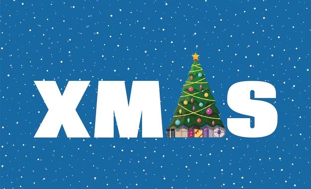 Kerstboom versierd met kleurrijke ballen, guirlande lichten, gouden ster. sparren, groenblijvende boom xmas woord. wenskaart