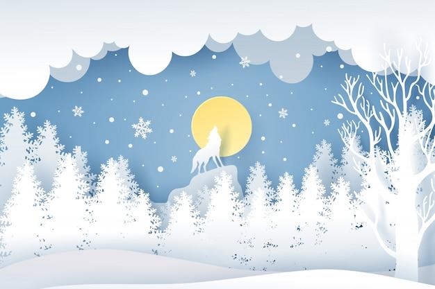 Kerstdag en wolf in bos met sneeuw in de wintertijd.