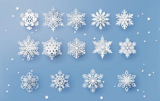 Kerstkaart met papier gesneden sneeuwvlok