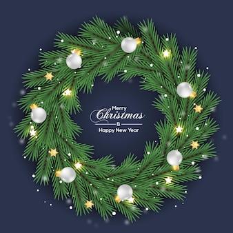 Kerstkrans decoratie groen dennenblad met witte bal
